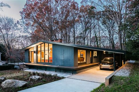 what is a mid century modern home this renovated mid century house features a stunning exterior mid century home