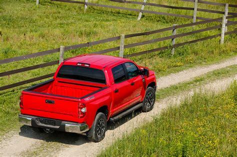 Toyota Tundra Tailgate 2015 Toyota Tundra Drops The V6 Picks Up Integrated Brake