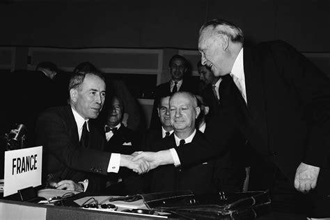 1955 Die Bundesrepublik Wird Nato Mitglied Www Bpb De