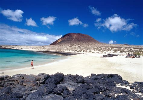 holiday extras la graciosa island ferry  lanzarote retreats
