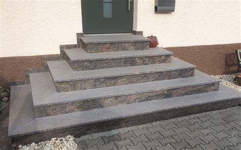 hauseingang gestalten granit hauseingang gestalten treppe mit eingangspodest granit