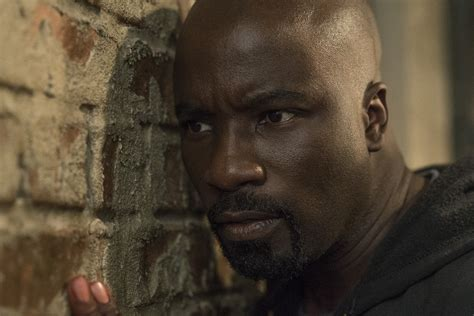 luke cage tv show vs comics 8 changes netflix