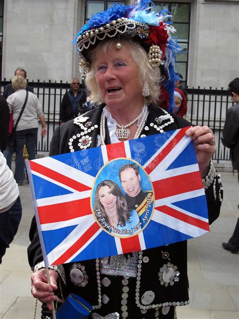home as a married couple the royal fans all about royal family royal wedding fan editorial stock photo image of marriage