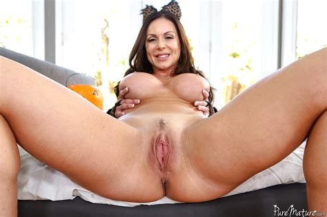babe today pure mature kendra lust some spreading leader porn pics