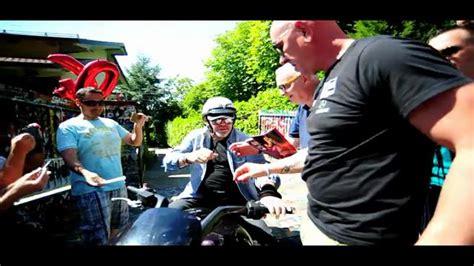 vasco a zocca vasco a zocca tra un giro in moto e una briscola