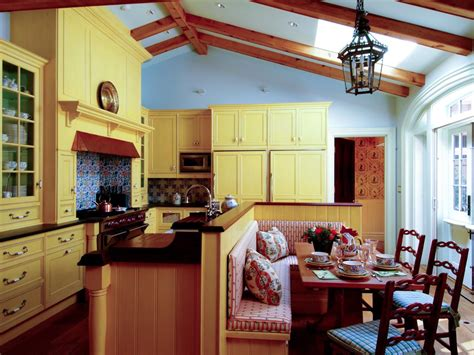country kitchen paint colors pictures ideas from hgtv - Country Colors For Kitchens