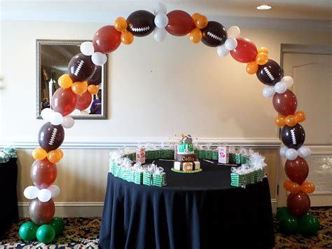 sports themed balloon decor how it was done link o loon balloon theme football arch