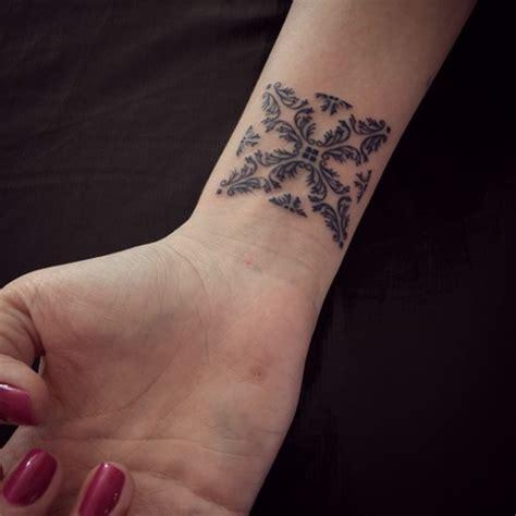 90 superlative wrist tattoo designs for women