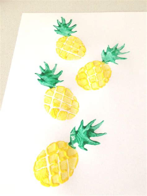 How To Make A Pineapple Out Of Paper - diy potato sted pineapple tote for houses