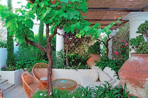 progettazione e realizzazione giardini terrazze a il fascino di un giardino segreto