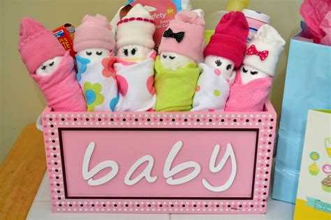 Handmade Things For Newborn Baby - essential baby shower gifts diy babies