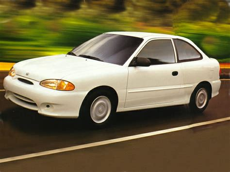 Hyundai Accent 1995 by 1995 Hyundai Accent Overview Cars