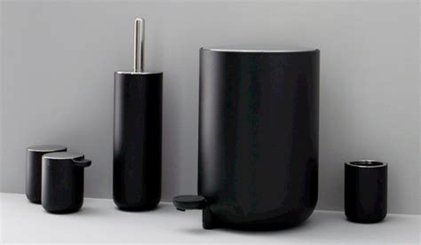 Classic Look With White And Black Bathroom Accessories Bathroom Accessories Black