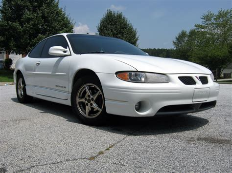 2000 pontiac grand prix coupe 2000 pontiac grand prix coupe w pictures information