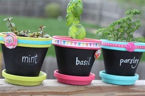 vasi di terracotta colorati vasi colorati vasi e fioriere vasi colorati arredamento