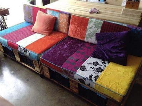 come fare cuscini per divano cuscini per i divani in pallet come fare la casa rubata