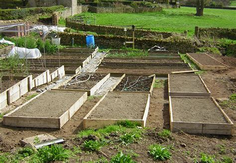 beds that raise how to build a raised bed 171 home grown edible landscapes