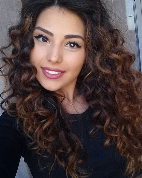 best highlights for curly hair curly dark brown hair with red highlights www pixshark