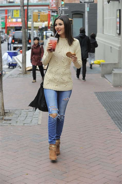 are skinny jeans still in style 2014 2015 victoria justice in skinny jeans 01 gotceleb