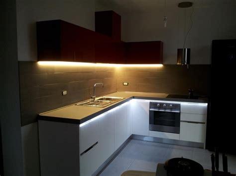 led pour meuble de cuisine spartaco ruban led cuisine lumenled
