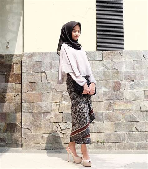 Outfit Kondangan Hijab Simple