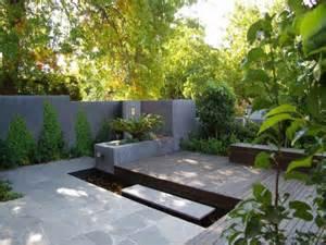 Exterior Garden Design Modern Garden Design Using Bamboo With Outdoor Dining