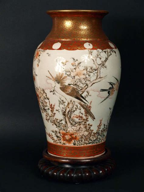 pair of kutani vases from meiji period at 1stdibs