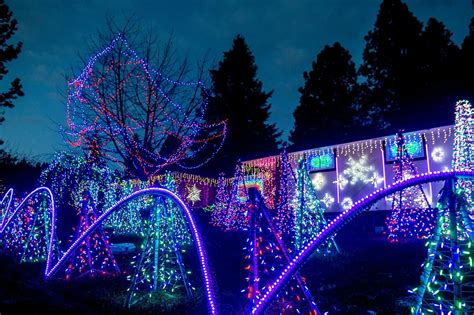 good christmas lights in the east valley 2018 south east west area homes pull out all stops to make spirits bright the spokesman