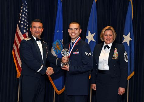 air force awards banquet 55th wing honors its best at annual awards banquet