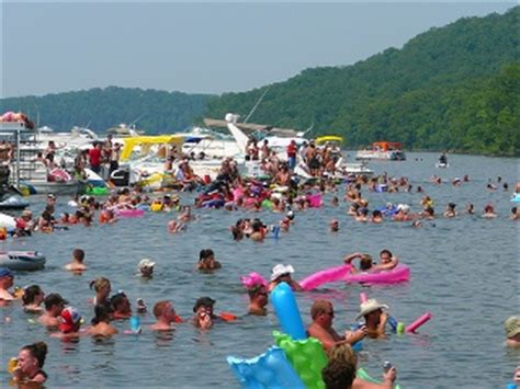 lake of the ozarks boat party party cove lake of the ozarks