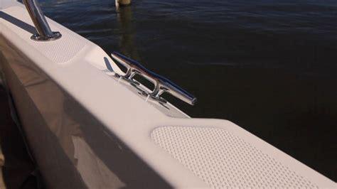 boston whaler boat cleats boston whaler 240 dauntless 2015 2015 reviews
