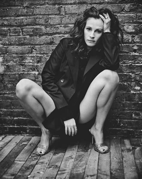 Julia Roberts spreading her legs | MyConfinedSpace