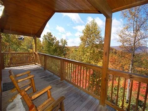 Honey Cabin Pigeon Forge by Honey 2br Cabin Pet Friendly Cabins In Pigeon Forge