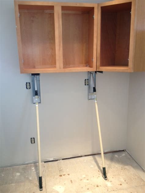 Kitchen Cabinet Jacks | kitchen cabinet jacks telpro gil lift cabinet lift kit 70 2 the original gillift 174 cabinet