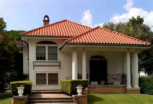 Mediterranean Style Houses - 15 best roofing materials