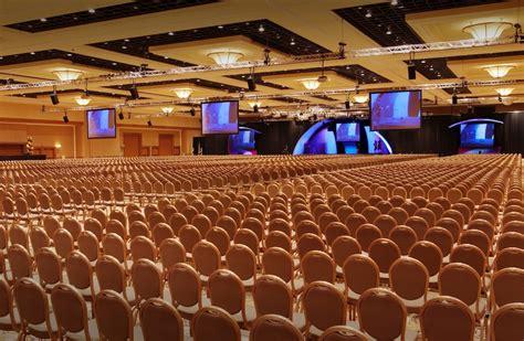 mandalay bay convention center klai juba wald
