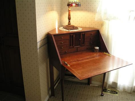 small corner desk with hutch best small corner desks ideas bedroom ideas throughout