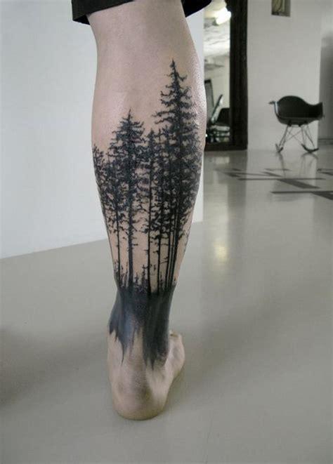 hausgemachter stil schwarzer dunkler wald tattoo am