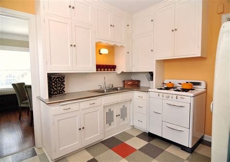 Small Kitchens With White Cabinets by Beautiful Small Kitchen Cabinet 4 Small Kitchen Ideas