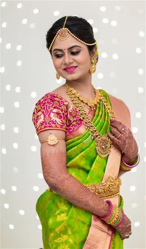 Classy Green sareen with cut work Pink Blouse   Photo