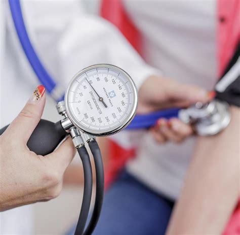 ab wann ist bluthochdruck blutdruck infarktrisiko forscher fordern niedrigeren