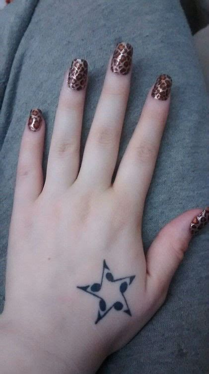 tattoo hand star 43 cool and sexy star tattoo designs