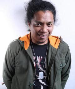 film susah sinyal arie kriting susah sinyal 2017 mubi
