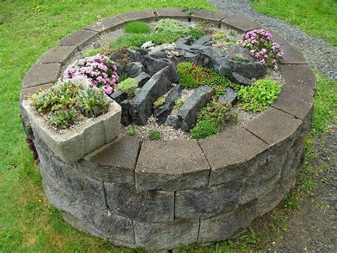 Mini Rock Garden Small Circular Rock Garden Backyard Garden Porch