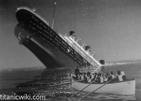 pictures of the titanic sinking history of the titanic pictures of titanic sinking
