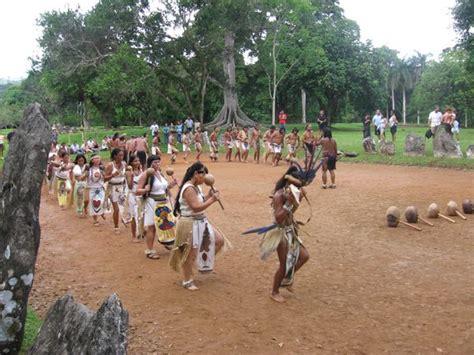los indios tainos de puerto rico areyto concilio taino taino pride pinterest portal