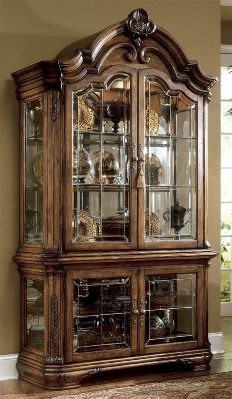 rooms to go curio cabinets 222 best images about curio cabinets on pinterest glass