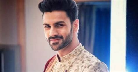 vivek dahiya mother name vivek dahiya wiki biodata affairs girlfriends wife