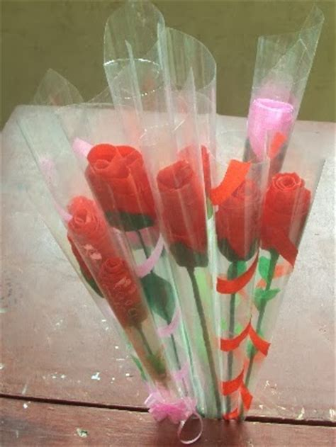 membuat bunga mawar  kertas krep seni rupa