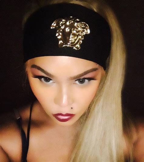 Lil Kim Light Skin by Lil Kim Accused Of Skin Bleaching By Fans And Azealia